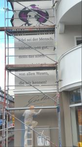 Verschönerung der Fassade mit Goethe